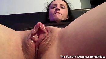 all natural, bodybuilder porn, clitoris, finger fucking, HD amateur, horny and wet, huge breasts, masturbation movs
