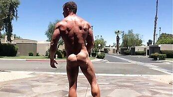 bodybuilder porn, fucking In public, homosexual