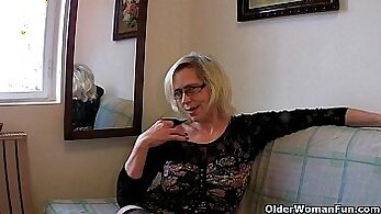 cougar clips, granny movies, hairy pussy, HD porno, horny mommy, hot grandmother, hot mom, mature women